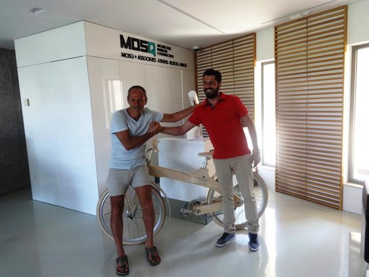 Ο κ. Ευμορφίδης (αριστερά στη ΦΩΤΟ) με τον κ, Μοσκιού...