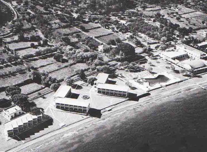 Το ξενοδοχείο Μίρα Μάρε στην Ιξιά, του Δήμου Ιαλυσού, στην πρώτη  φάση της λειτουργίας του τη δεκαετία του '50.