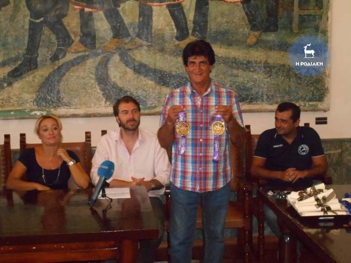 Ο Πάχος Τσαγκάρης τιμήθηκε για τις διακρίσεις του στο εξωτερικό