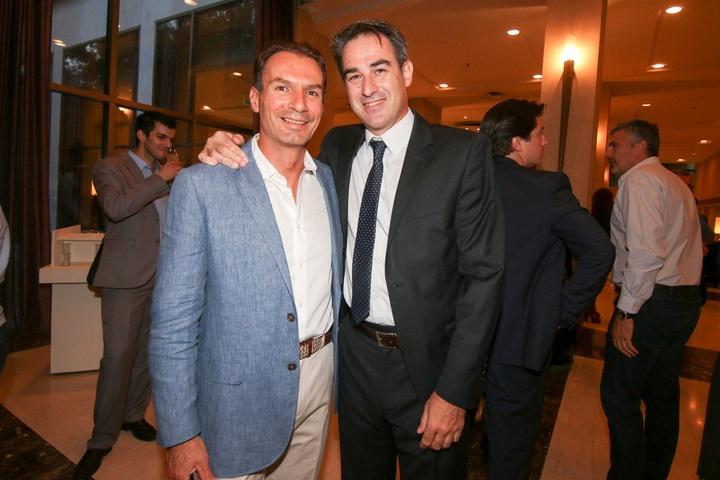 Το μέλος του ΔΣ της ΚΑΕ Κολοσσός H Hotels Μιχάλης Μπράτιτσης με τον πρώην γενικό διευθυντή της ομάδας και νυν της εθνικής ανδρών Κώστα Κώτση