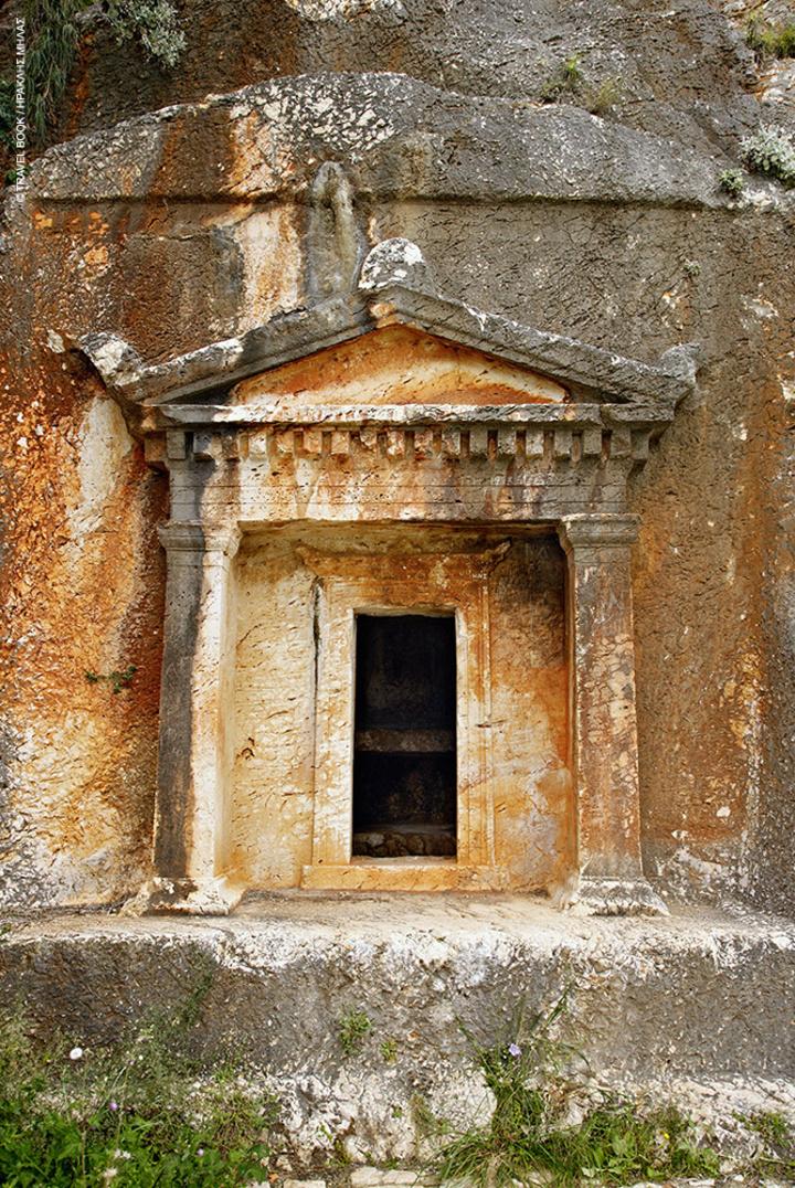 Ο λυκιακού τύπου τάφος επιβεβαιώνει τις στενές σχέσεις που ανέκαθεν διατηρούσε το Καστελλόριζο με την απέναντι ακτή