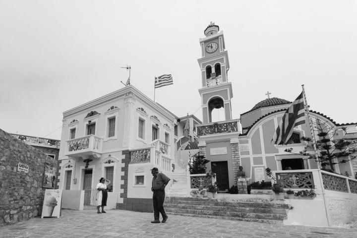 Η Κοίμηση της Θεοτόκου στην κεντρική πλατεία της Ολύμπου.  Φωτογραφία: Νάσος Ευσταθιάδης