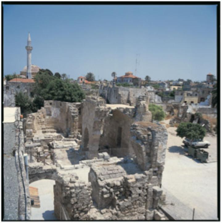 Τμήμα της βομβαρδισμένης εκκλησίας του Αρχαγγέλου Μιχαήλ