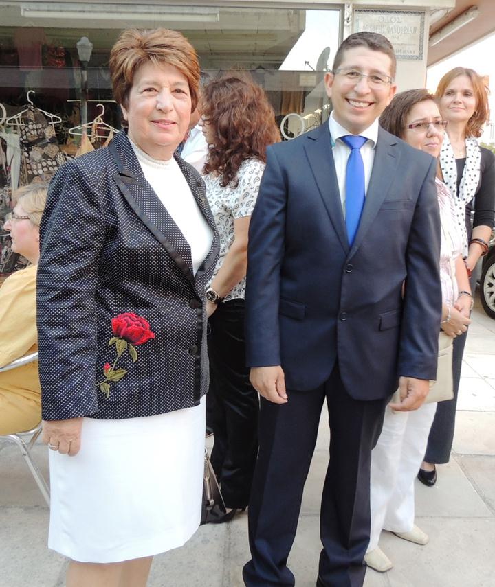 Ο κ. Μαρκόπουλος με τη μητέρα του Χρυσάνθη