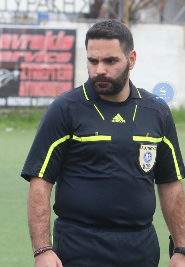 Ο Κάζας θα διευθύνει σήμερα το παιχνίδι της Ομόνοιας με το Νηρέα στο γήπεδο Βατίου                           (ΦΩΤΟ ΒΙΚΤΩΡ)