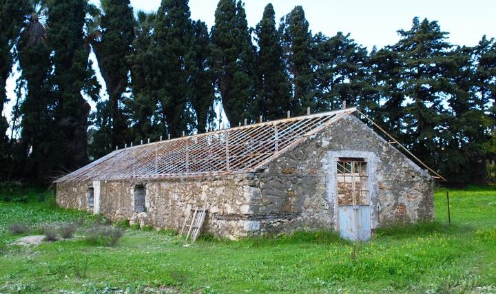 Ένα από τα Ιταλικά θερμοκήπια πριν τις εργασίες   αντικατάστασης