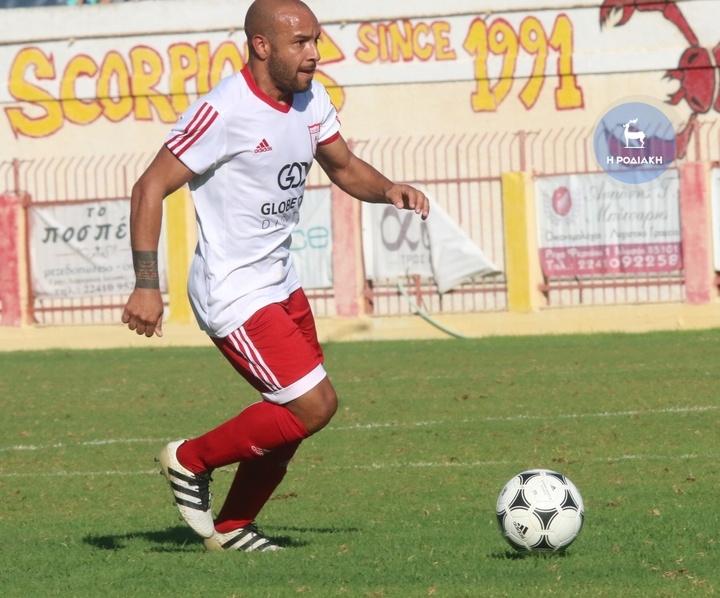 Ο Σάββας Παφιάκης επέστρεψε με θλάση από τον αγώνα με τον Εργοτέλη και δεν υπολογίζεται για το ματς με τη Θύελλα (ΦΩΤΟ ΒΙΚΤΩΡ)