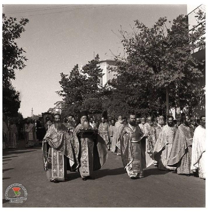 Ο παπα-Αναστάσης Κυριατσούλης, ένας ιερέας που συνέδεσε το όνομα του    με την εκκλησία του Νιοχωριού.