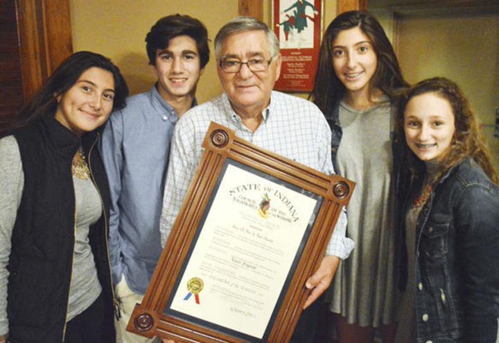 Ο κος Λευτέρης Φεγγάρας και η οικογένειά του