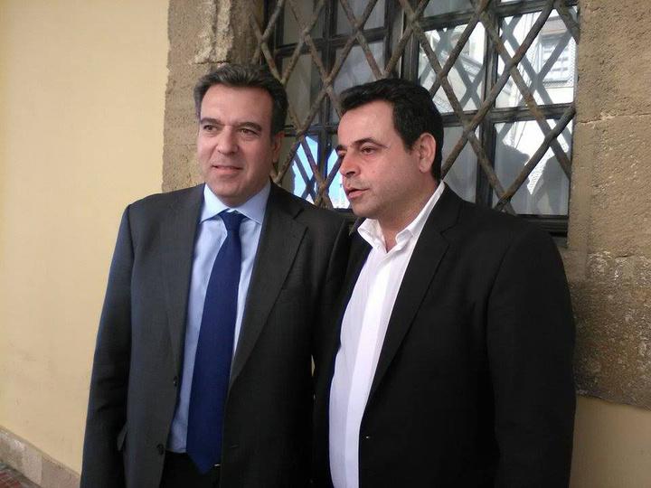 Ο κ. Σαντορινιός που συναντήθηκε χθες με τον βουλευτή Μ. Κόνσολα  στις εκδηλώσεις για τον εορτασμό της Ημέρας των Ενόπλων Δυνάμεων