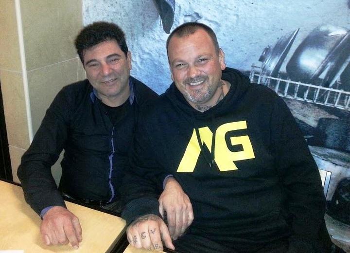Ο κ. Γεωργουδιός με το σεφ Δ. Σκαρμούτσο κατά την επίσκεψη του τελευταίου στη Ρόδο