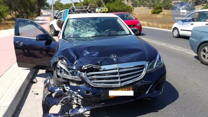 Σοβαρό τροχαίο ατύχημα πριν απο λίγο στην Ρόδο (φωτο)