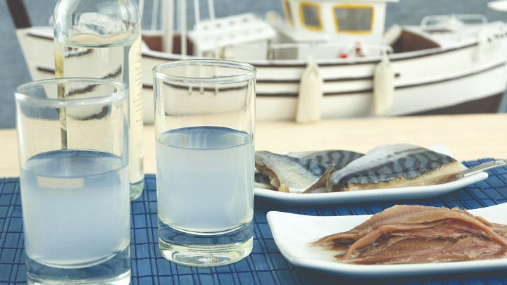 "A Guide to Beverages you ""Must"" try in Greece!"