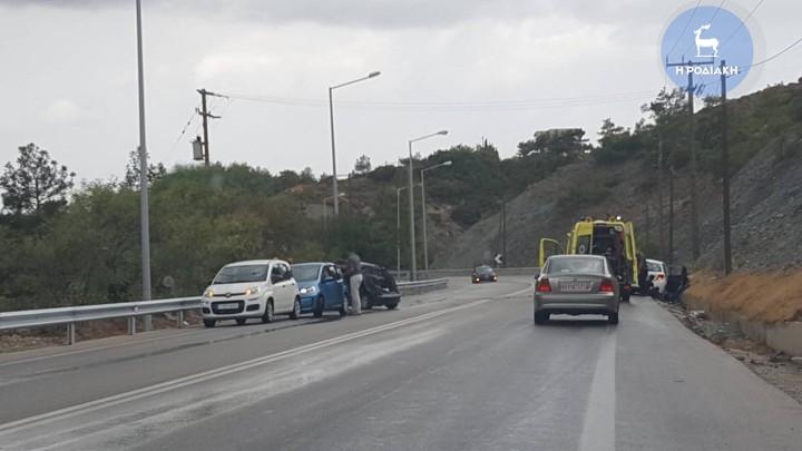 Συμβαίνει τώρα: Σφοδρή σύγκρουση οχημάτων με τραυματίες