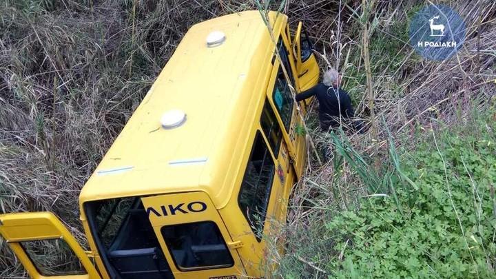 Διασωληνωμένος στο νοσοκομείο Ηρακλείου μεταφέρθηκε ο οδηγός του σχολικού λεωφορείου