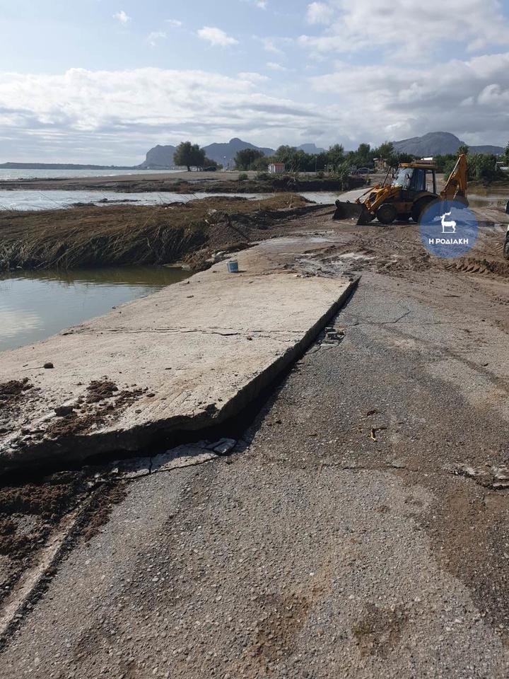 Αφάντου: μεγάλες ζημιές στο οδόστρωμα