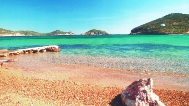 Το νησί με τα δύο πρόσωπα: Tα «μυστικά» της Πάτμου που θα σε κάνουν να την ερωτευτείς