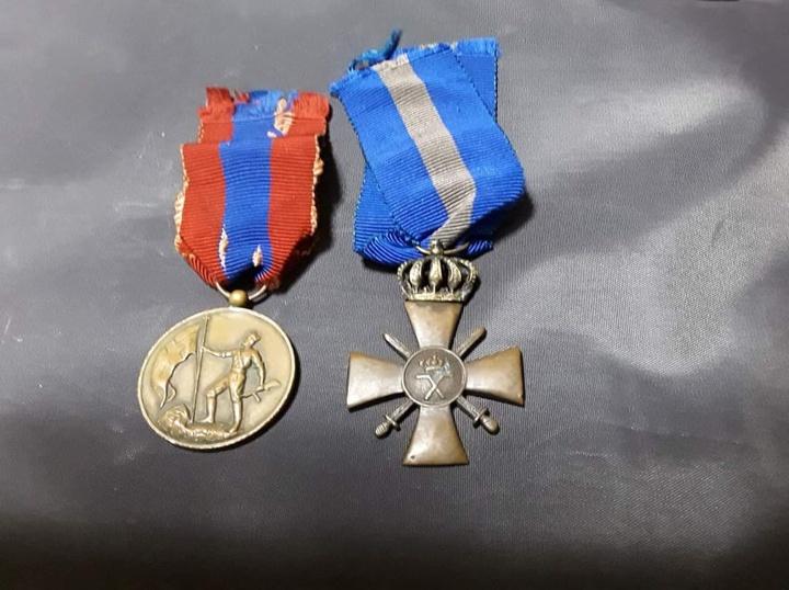 Ο πολεμικός σταυρός που θέλησε να προσφέρει στον Γιάννη Κάργα ο Στέφανος Γραμενιάτης