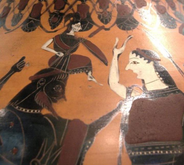Η Ειλείθυια ή Ειλειθυία ήταν θεά του τοκετού. Βοηθούσε τις γυναίκες να γεννήσουν και ν' αντέχουν τους πόνους της γέννας. Τη λάτρευαν και ως θεά που φροντίζει τα νεογέννητα. Πηγή: Μουσείο Λούβρου