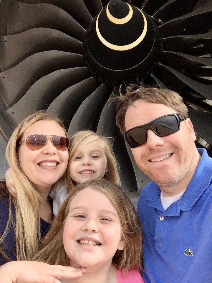 Ο Γιώργος Πανάγος με την οικογένειά του