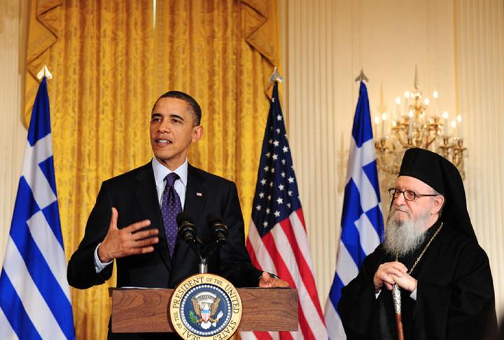 """Όταν ο Ομπάμα έκανε εκτενή αναφορά στη λέξη """"φιλότιμο"""" παρουσία του αρχιεπισκόπου Αμερικής Δημήτριου στο Λευκό Οίκο"""